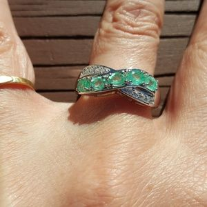 ZAMBIAN EMERALDS & WHITE ZIRCONS RING-925